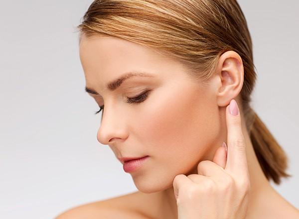 لوبوپلاستی و نحوه درمان لاله گوش کشیده شده یا پاره شده