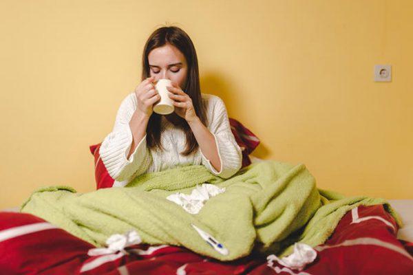 چگونه بیماری های سرماخوردگی و آنفلوانزا مبارزه کنیم؟