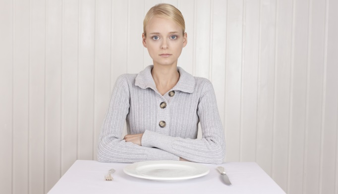 سندرم تخمدان پلی کیستیک و ارتباط آن با اختلالات خوردن