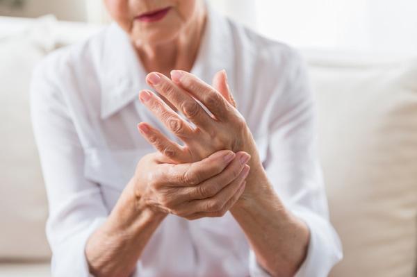 آرتروز چیست؟ علل، علائم، تشخیص و درمان بیماری آرتروز