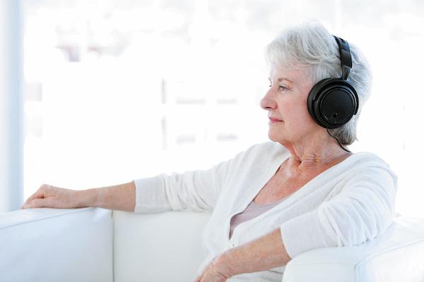 اختلال کم توجهی یا بیش فعالی و تاثیر گوش دادن...