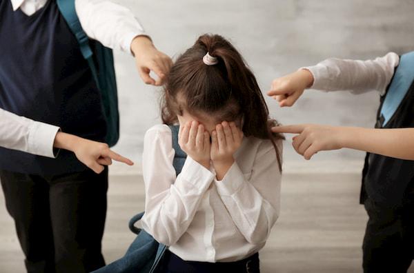 خشونت در مدارس؛ علل، علائم و روش کنترل خشونت در مدارس