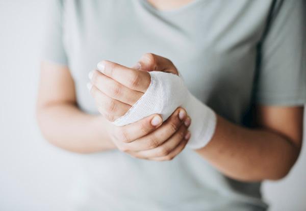 درمان سوختگی؛ روش های خانگی و گیاهی درمان سوختگی