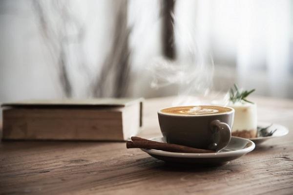 در یک فنجان قهوه چقدر کافئین وجود دارد؟