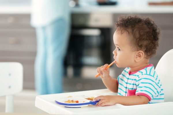 تغذیه کودک ده ماهه + راهنمایی کامل