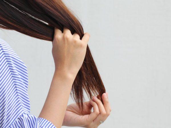 خشکی مو؛ علائم، علت و درمان خانگی خشکی مو