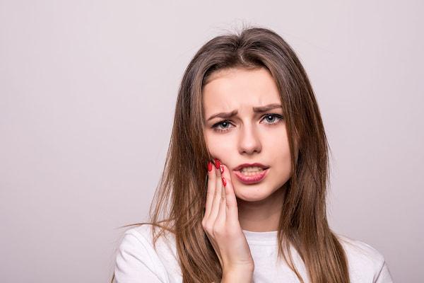 دندان درد؛ تسکین دندان درد با 10 درمان خانگی