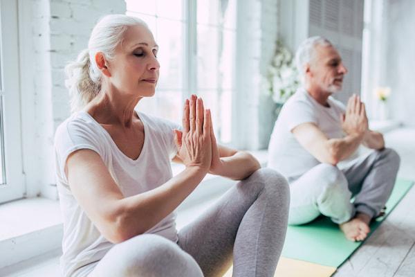 اصول ورزش یوگا + راهنمایی کامل