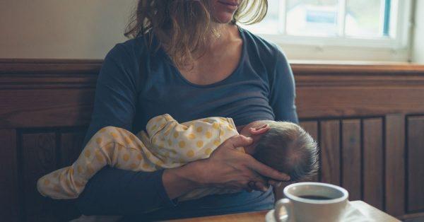 علایم رایج کاهش شیر مادر چیست