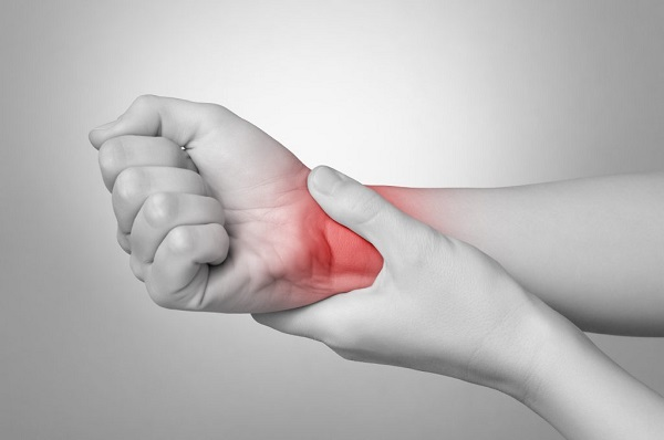 نحوه انجام جراحی دست و مچ + عوارض و مراقبت های پس از آن