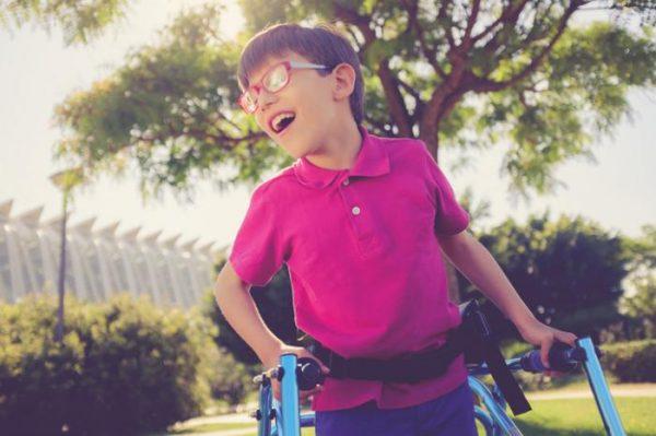بیماری های مغز و اعصاب کودکان؛ فلج مغزی و راه های درمان آن