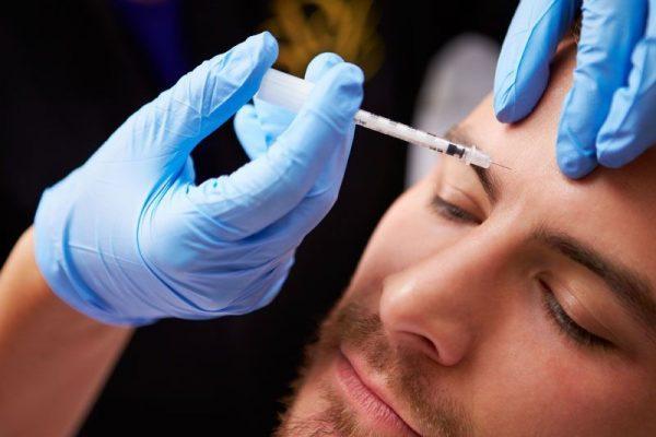 همه چیز در مورد تزریق ژل برای جوانسازی پوست آقایان و خانم ها