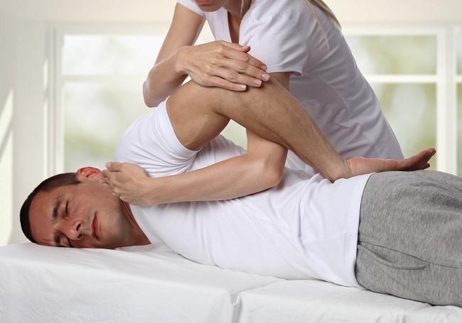 درمان دستی (کایروپراکتیک، منوال تراپی) برای درمان انواع درد