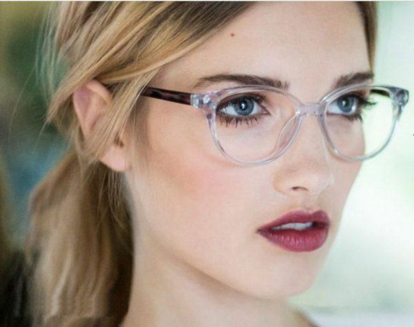 تجویز عینک؛ دلایل و تشخیص نیاز به عینک و نحوه استفاده از آن