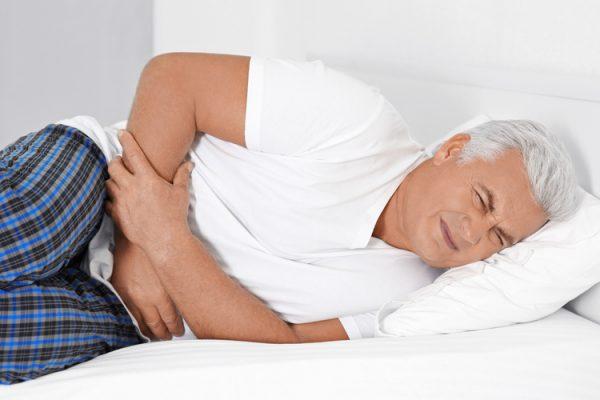 بی اختیاری ادرار در سالمندان + انواع، تشخیص و درمان آن