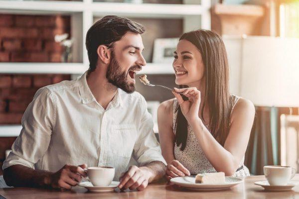 چرا اولین رابطه جنسی برای یک زن آزاردهنده است؟
