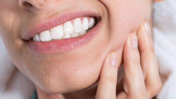 کیست عفونی دهان؛ انواع، تشخیص و درمان کیست عفونی دهان