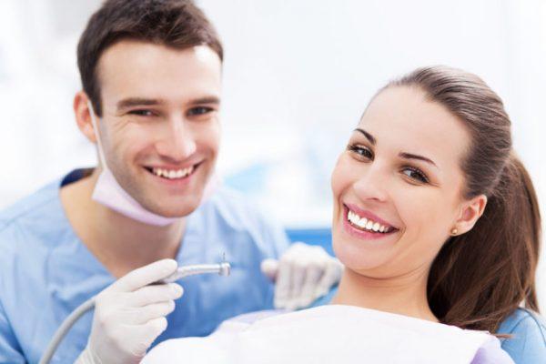 کاندید عمل ایمپلنت دندان چه کسانی هستند؟