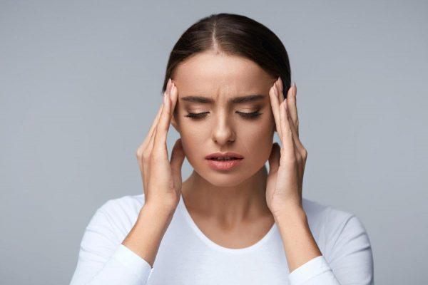 وزوز گوش چیست؟ علائم، عوامل و روش های درمانی