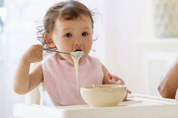 تغذیه شیرخواران