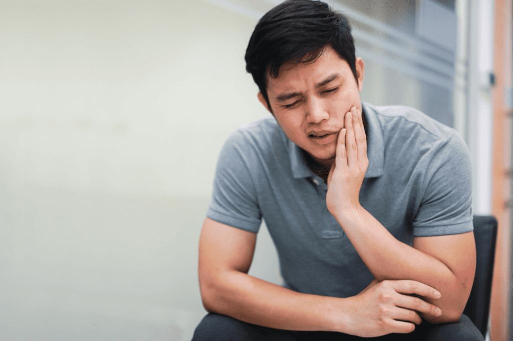 درمان ها و داروهای خانگی اختلالات مفصل فکی گیجگاهی (TMJ)