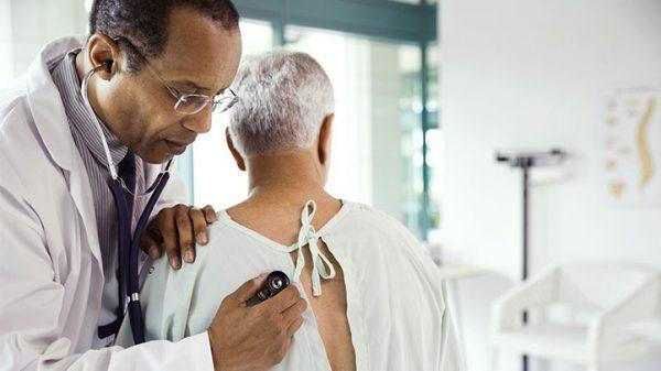 علائم سرطان ریه چیست؟ + علل، تشخیص و درمان