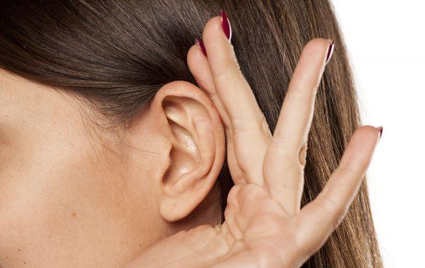 بسته شدن مجرای گوش توسط موم گوش؛ علل، پیشگیری و درمان