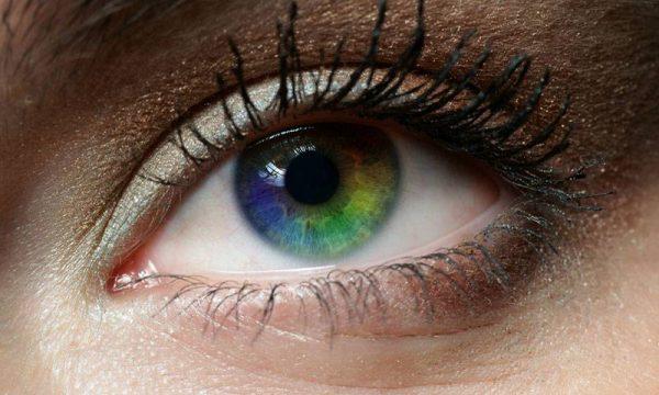 آیا تغییر رنگ چشم ممکن است؟ + راه های طبیعی تغییر دادن رنگ چشم