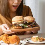 اختلال پرخوری چیست؟ + علائم، دلایل و راه های درمان
