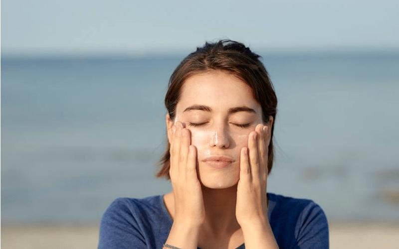 این تابستان ضد آفتاب فیزیکی بخریم یا شیمیایی؟