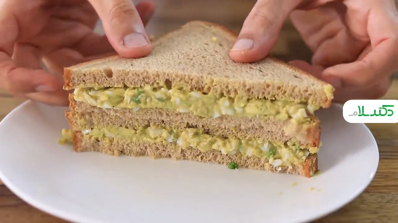 طرز تهیه ساندویچ سالم و ساده در 2 دقیقه +ویدئو