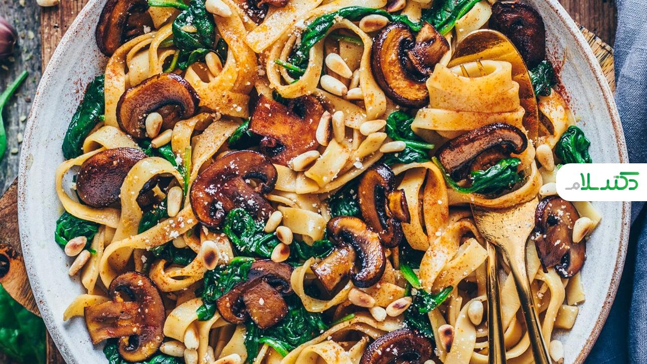طرز تهیه نودل ویژه سرآشپز با قارچ و سبزیجات +ویدئو
