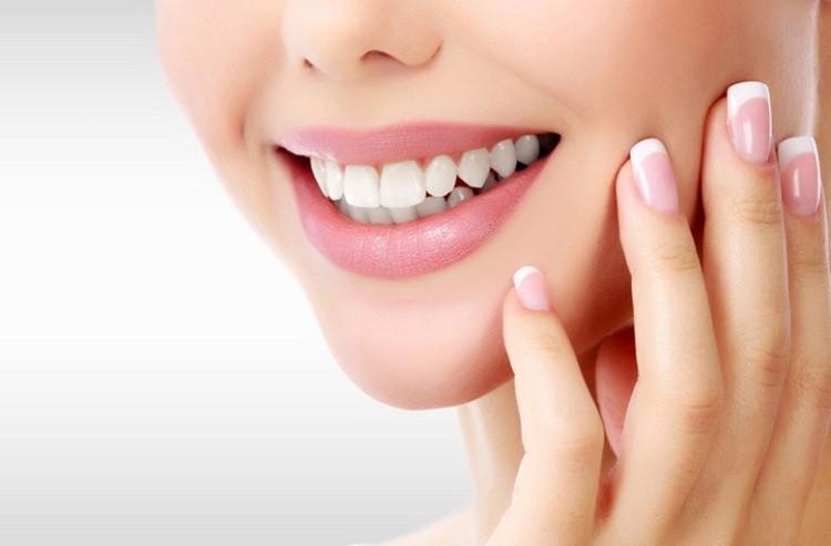 خمیر دندان سفید کننده یک راهکار عالی برای سفیدی دندان