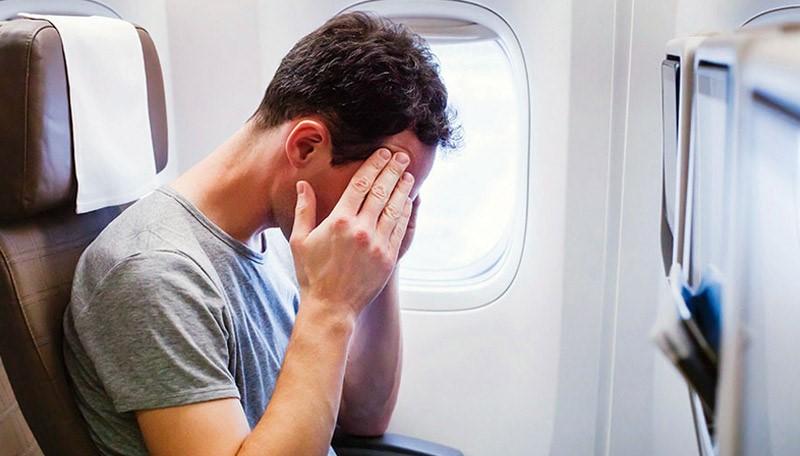 علت دندان درد در هواپیما و راه های تسکین درد دندان در سفرهای هوایی